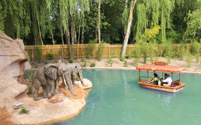 L'attraction Africa Cruise à Nigloland : les éléphants