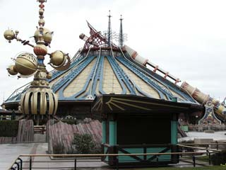 Orbitron et Space Mountain dans Discoveryland