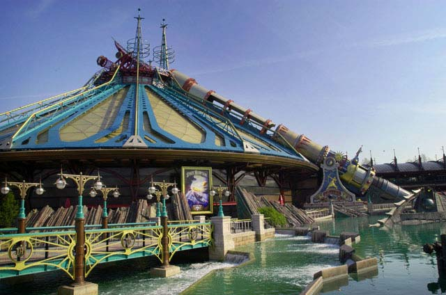 Space Mountain Mission 2 - Discoveryland - Parc Disneyland ...